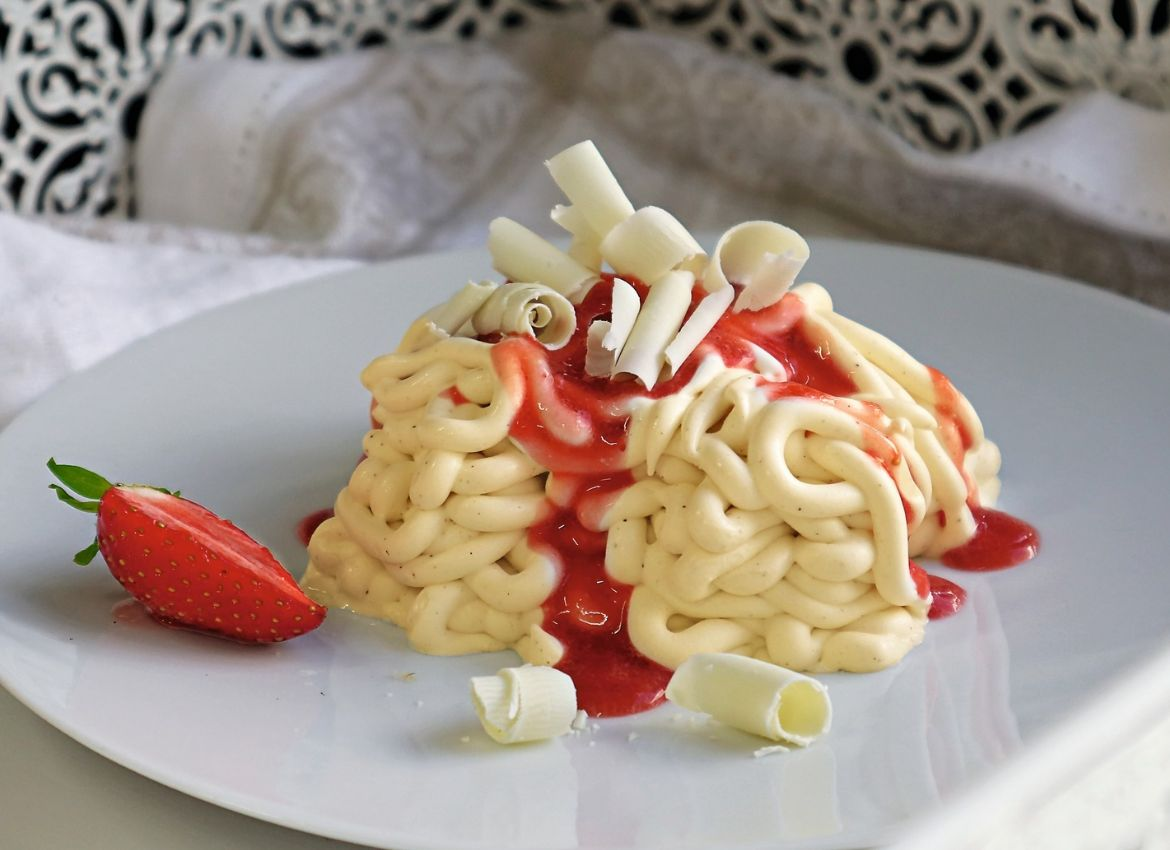 Spaghettieeis mit Toppings